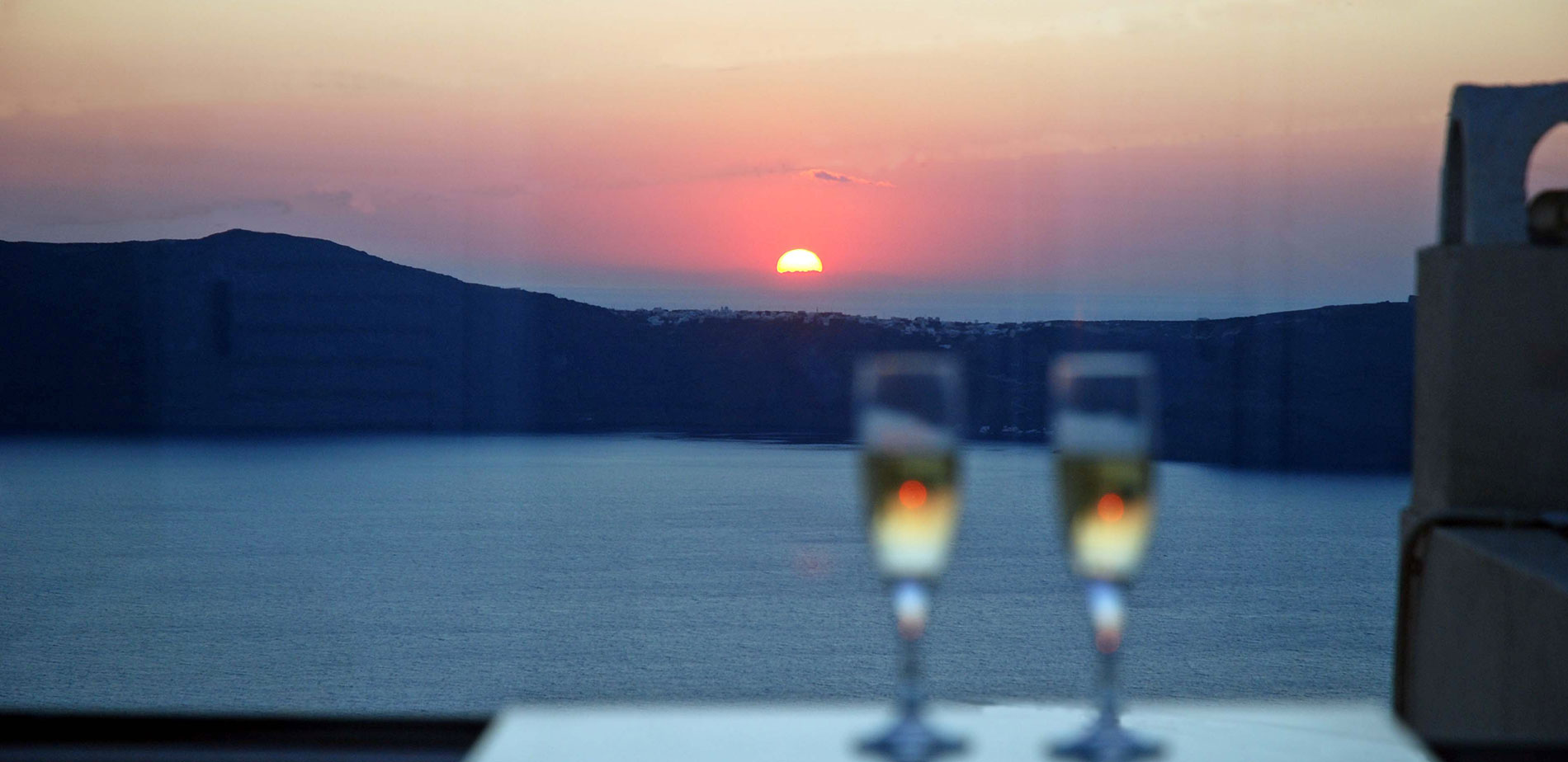wedding honeymoon santorini